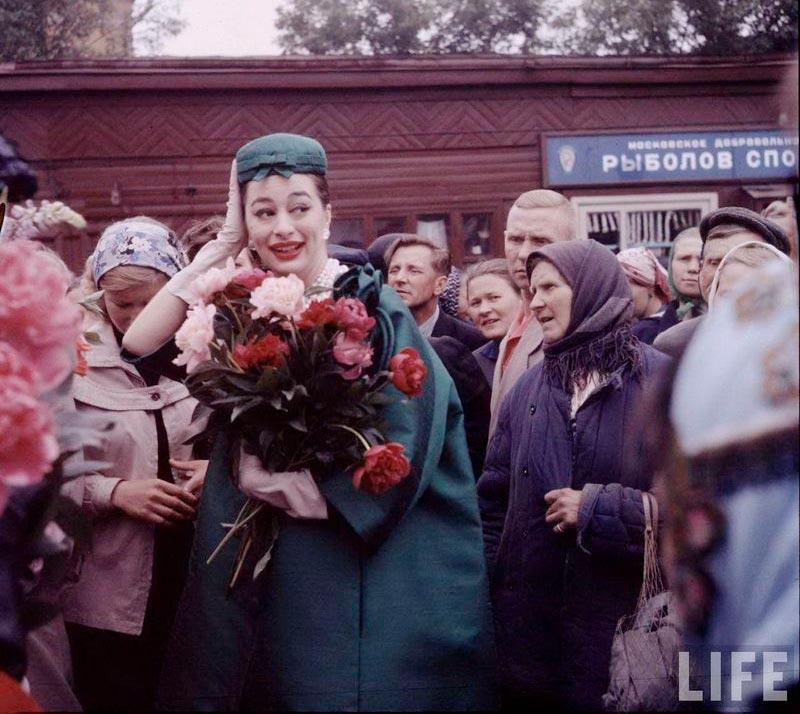 ив сен-лоран, модный показ в москве